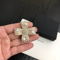 women Brooch 2020 new letter fashion Brooch with box free sh...