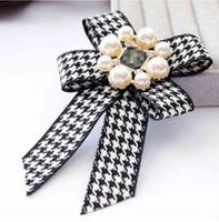Fashion Bowknot con perla fascino spilla spilla spille spille bollasches costume da sposa decorazione per donne regali accessorio gioielli