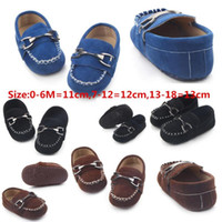 chaussures de bébé en cuir enfant Moccasin premier walkers chaussures noires pour bébé nouveau-né garçon en cuir pour bébés 0 -1year gros
