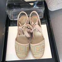 Diseñador de moda 2020 Nuevas señoras Lienzo zapatos de verano Plano plano inferior Abierto de fondo Casual Mocasines Hecho A Mano Paja Lazy Sandalias