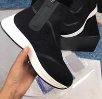 رجل مصمم أحذية B25 أعلى حذاء رياضي أسود شبكة متماسكة النسيج b25 المدربين الرمز البريدي إغلاق المطاط sloe كتابات الأحذية منصة socke