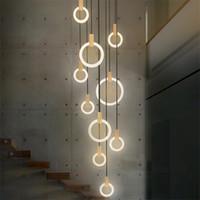 Çağdaş Ahşap LED Avize Lambası Akrilik Yüzükler Droplichs Merdiven Işık 3/5/6/7/10 Kafaları İç Aydınlatma Armatürü
