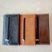 Bolso Bolso suave Botón de cuero Fastizador Fumar Olor Bolso Tres capas Cartera Black Brown Hombre A prueba de agua Color oscuro 8 5JJ C2