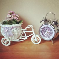 1pcs White Plastic Tricycle Bike Design Flower Basket Container For Flower Plant Home Weddding Decoration DIY Camera Props