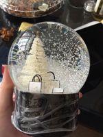 자동차 장식 크리스탈 공 안에 크리스마스 트리와 패션 디자인 스노우 글로브 특별 참신 선물