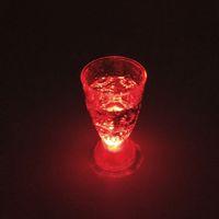 Shot Glass LED Mini luz luminosa de destello KTV bar colorido concierto especial Vasos intermitente Bebidas taza del vino taza decorativa DH0170