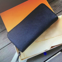 M60171 جودة عالية تنقش emprinint الجلود كليمنس Zippy محفظة للنساء طويل سستة محفظة حاملي بطاقة البريدي المحافظ امرأة محافظ 60171