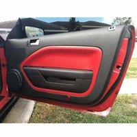 Çifti Ön Kapı Paneli takın Kartları Kapak Deri Plakası Parçaları Siyah / Bej / Kırmızı Fit For İçin Mustang 2005 2006 2007 2008 2009 qMN5 #