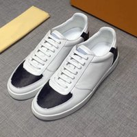 Новое прибытие 2020 мужчин кроссовки для мужчин Повседневная обувь Flat низкой кроссовки белая кожа с голубой джинсовой Sneaker Открытый Полуботинки DHL Free