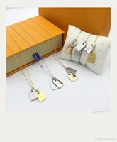 Europe America Fashion Jewelry Sets Lady Women 18K Gold Chain Necklace Bracelet With Engraved V Initial Double Color Tags Charm