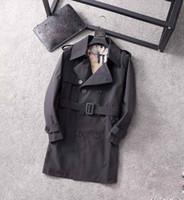 2020 Klassische heißer Verkauf von Herren- und Damenmode Britischer mittellanger Trenchmantel / britischer Designer Zweibrustige dünne Gürtelgürtel