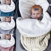 Baby Swadddle Couverture Sac de couchage Neuf-Nual Sac à poussette en polaire tricoté chaude sac à poussette en tricot Crochet hiver Sac de couchage chaud KKA7985