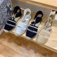 Loisirs Fisherman Chaussure-Girl 2020 Printemps / Été Nouveau Tête ronde Mocassins de paille brodés Polyvalent Mocassins plats à un pied