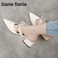 Sianie Tianie 2020 yaz kare alçak topuklu sandalet sivri burun papyon kadın açık terlik bayan ayakkabı kadın katır boyutu 46 47