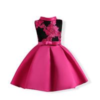 I bambini si vestono con applique floreale in pizzo per la festa con fiocco in due colori per 2-12 anni