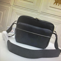 M30233 M30239 M30243 OUTDOOR Сумка Мужчины плеча сумки Классические сумки Trip кожаный портфель Crossbody хорошее качество Человек Сумка