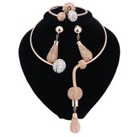 Sistemas de la joyería nueva de novia africana del Gold colores pendientes del collar de la manera del cristal de las mujeres Establece Asignación del regalo de boda