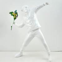 KAWS Banksy Atmak Çiçek Çocuk Aksiyon Figürleri David Heykel Art Deco Dekorasyon Demir Kova Melek Balon Kız Reçine Malzeme Kutusu El Yapımı