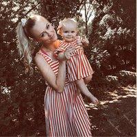 Mamá y yo rayas vestidos para niños para las muchachas Madre Equipo Hija vestido de verano de la familia ropa a juego Trajes