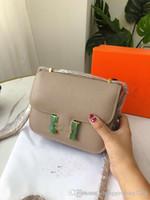 Die neuen 2020 Handtaschen Hand Palmprint Stewardess Bales Tofu Ein Mädchen-Frauen-Schultertasche geneigte über ein kleines Paket