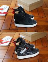 Лучшие качества пар Дизайнер Red Bottoms Мужские кроссовки Сапоги Luxury Man Spike Red Bottom Открытый Инструкторы высокие кроссовки Размер Eu38-46