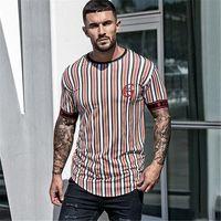 Дизайнер Mens Полосатый Активный Tshirt с коротким рукавом O шея подростковой Tops летом Письмо дышащей Мужская Одежда