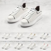 Donna Uomo Designer Sneakers Classic White Shoes Shoes piattaforma Street Fashion Top Leather Trainers casuali piane per uomo donna D0721