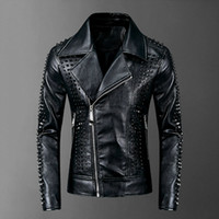 Alta qualidade Rivet Leather Jacket Men 2020 Punk Rock Faux Leather Men Brasão XXXL