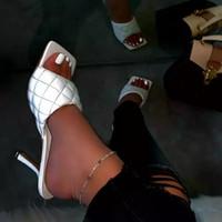 2020 ساحة المرأة صيف جديد تو الصنادل السيدات بو الجلود منقوشة خارج الكعوب رقيقة السامية النعال أنثى أزياء المرأة أحذية CX200715