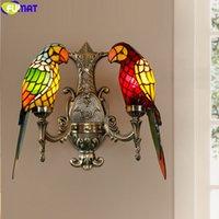FUMAT estilo de Tiffany doble brazo de la lámpara luz de la pared del vitral de accesorios de latón envejecido loro Pantallas de iluminación decoración de la casa americana retro E27