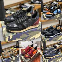 2020 الأزياء والأحذية من جلد الغزال مسمار برشام الرجال النساء التمويه جلدية أحذية رياضية شقق عداء المدربين الرياضية الاحذية للجنسين EUR36-46 مع صندوق