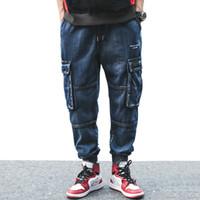Mens nueva llegada bordado de la letra de la vendimia de múltiples bolsillos cargo pantalones vaqueros del estilo de otoño High Street Fashion Casual Denim Jeans