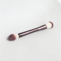 رملية الإضاءة المحيطة تحرير فرشاة - مسحوق مزدوج المنتهية Bronzer Blush