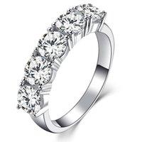 Ювелирные изделия стерлингового серебро 2.5CT 5 Камни Nscd бриллиантового кольца для Luxury Женщины 18K Белое золото покрыло Anniversary кольца Марка качества Урожай кольца