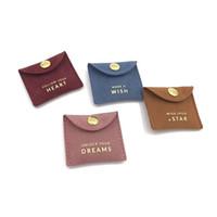 2020 sıcak satış özel baskılı altın logosu Mini zarf takı çantası çekin düğmesi kapatma lüks süet kolye kese ile flep