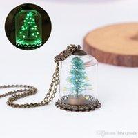 توهج في الظلام شجرة عيد الميلاد قلادة ندفة الثلج الزجاج قبة القلائد المعلقات الأزياء والمجوهرات النساء الاطفال هدية