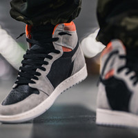 Jumpman 1 레트로 높은 신발 중립 크림슨 555088 018 그레이 블랙 하이퍼 크림 큰 크기 체육관 남성 Schoenen GoodGoodSneakers Fashion_clubs Des Chaussures 트레이너 신발