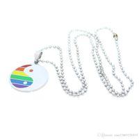 Round Fashion Logo Gay Pendentif en acier inoxydable Collier bijoux à la mode Design Rainbow 50 cm longue chaîne