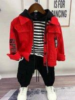 Çocuklar Çocuk Toddler Erkek Giyim Seti Bebek Erkek Denim Ceket + Hoodie + Pantolon 3 ADET Kıyafet 2-6Yar Çocuk Giysileri Set WJRM #