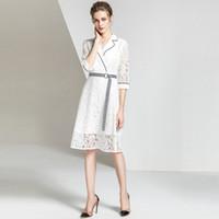 Повседневные платья Женщины Кружева Осложневая Средней длины Юбка белый Сплошной цвет A-Line Сексуальное V-образное вырезовое Платье Летний Модный темперамент