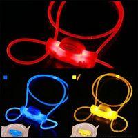 빛 개 칼라의 LED 플래시 PET 용품 패션 방지 손실 매달려 밧줄 개 가죽 끈 2 3RZ D2