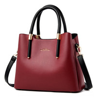 ins women's Hand 2020 new fashion large hand shoulder capacity Women's bag fashion all-match shoulder crossbody bag