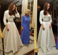 Elegant Kate Middleton Bröllopsklänningar Högkvalitativ Satin Vit Andra Bröllop Bröllopklänningar A-Line Crystals Beaded Wedding Gowns