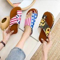Frauen Thick aufstoßendes Sandale Schuhe Keilabsatz Schuhe Klippzehe Sommer-Strand-Schuhe Strand Flip Feste Slides Nationalflagge Kostenloser Versand Flops
