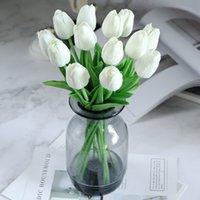 10шт Искусственный цветок Real сенсорный Latex тюльпаны Свадебный букет невесты Главная Garen украшения Поддельный цветок для свадьбы поставок