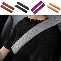 Asiento de coche 2pcs Cinturón de seguridad de ratón de felpa suave Auto cubierta del cinturón de hombro amortiguador del coche cubierta de la correa del cinturón de seguridad del automóvil protector