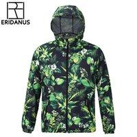 Neue Herbst-Winter-Liebhaber mit Kapuze Windjacke Europa-Uni-Art wasserdichter Jacke Male Anti-UV-personalisierter Druck Coat M375