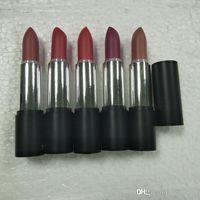 El más nuevo maquillaje caliente Marca Barra de labios mate establece 5colors lápiz labial con nombre 5pcs / set de la colección de verano Lipset
