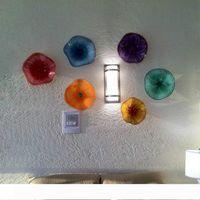 安く抽象的なガラス板の壁の芸術のためのイタリアのムラノガラスの花の壁の光のための着色されたぶら下がったプレートの壁の芸術