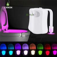 Klozet Kapağı LED Işık Akıllı PIR Hareket Sensörü 8 Renkler Su geçirmez Tuvalet Arka Işık WC Tuvalet Gece Işığı Lambası
